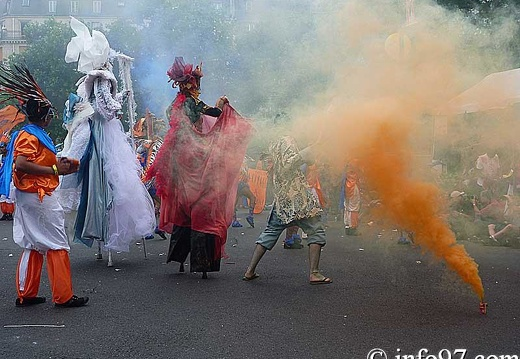 defile-paris-carnaval1112