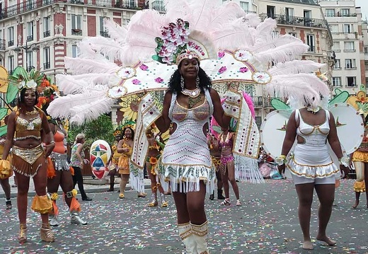 defile-paris-carnaval1210