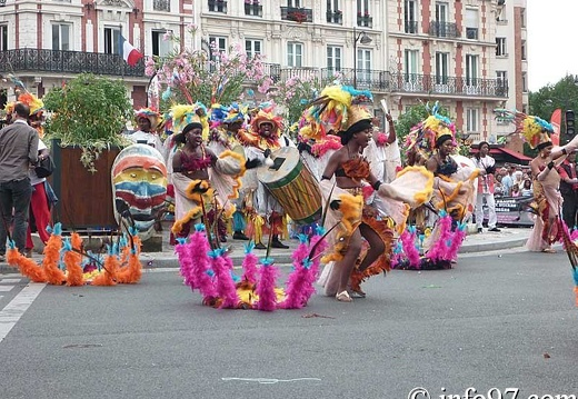 defile-paris-carnaval1551