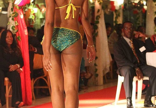 miss-2010-maillot14