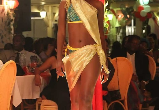 miss-2010-maillot18