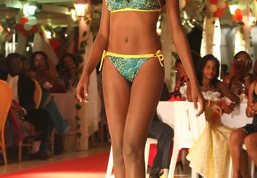 miss-2010-maillot30
