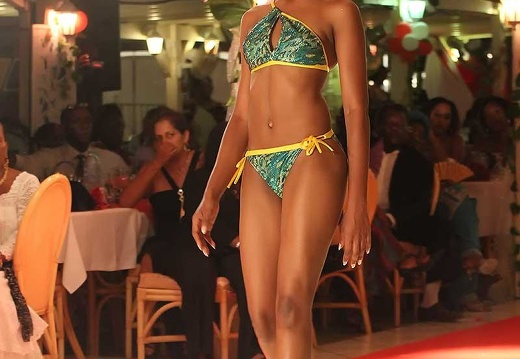 miss-2010-maillot4