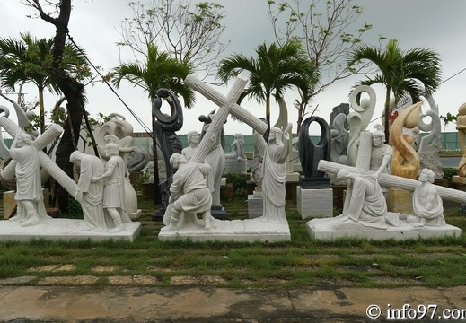 DSC02812sculpture-danang