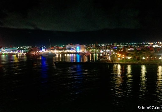 holland-america-croisiere-curacao-night-1